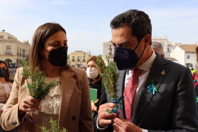 Ronda celebra el Día Internacional del Pueblo Gitano con la presencia del presidente de la Junta de Andalucía