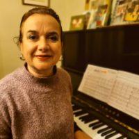 Margarita Pavía, directora del Conservatorio: «Para la formación integral como personas es muy beneficioso saber tocar un instrumento y poder disfrutar de él»