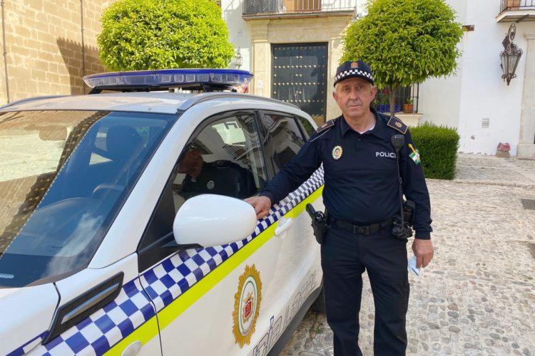 Juan Gutiérrez, el policía local amante de la naturaleza y de los caballos, se jubila tras 36 años de servicio
