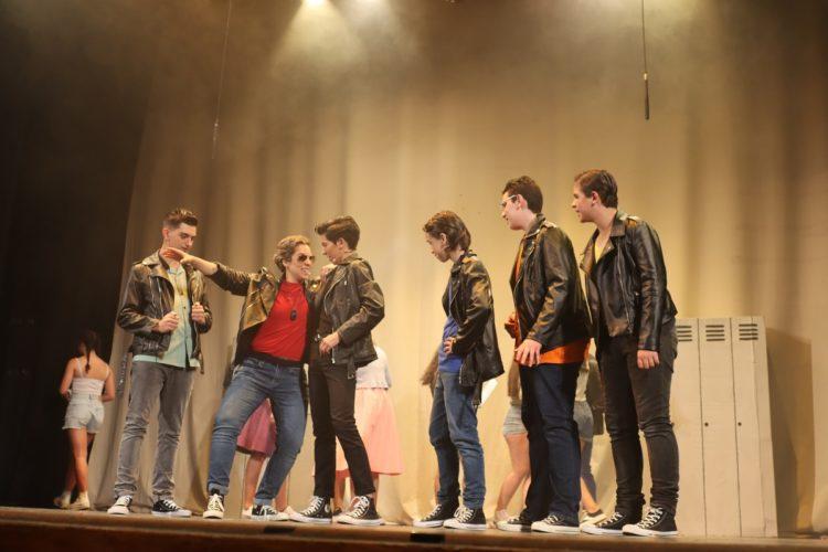 El Teatro Espinel recuerda el ambiente estudiantil de finales de los 70 con el musical 'Grease'