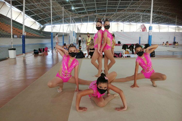 Las gimnastas prebenjamines y alevines del Club Agra ofrecieron una magnífica imagen