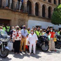 Los 'Caballeros del Asfalto-amigos de la Guardia Civil' donan 250 kilos de alimentos a 'Solidarios Ronda'
