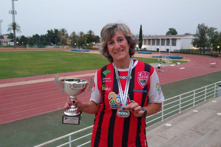 Encarni Villena se proclama campeona de Andalucía de Clubes de Atletismo Máster