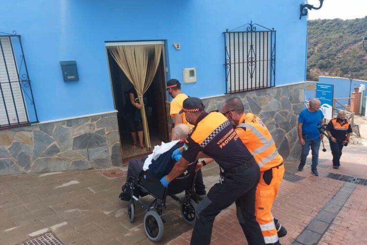 Los vecinos evacuados a Ronda por el incendio de Sierra Bermeja regresan a sus pueblos