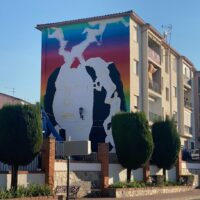 Okuda regresa a Ronda para regalarle otro mural urbano lleno de arte